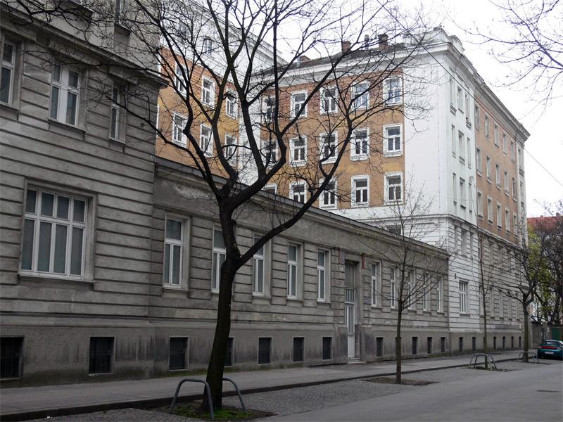 Mannerheim mens hostel